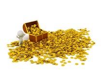 carácter 3D con el cofre del tesoro y muchas monedas de oro Imagen de archivo