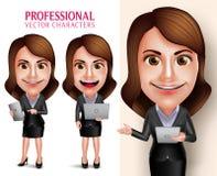 Carácter de la mujer profesional con la tableta y el ordenador portátil móviles que se consideran sonrientes felices del equipo d Foto de archivo libre de regalías