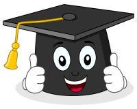 Carácter del sombrero de la graduación con los pulgares para arriba Foto de archivo