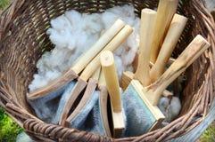 Cardatura della lana Immagini Stock Libere da Diritti