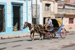 Cardenas, Kuba - 26. November 2015: Pferdewagen Lizenzfreie Stockfotos