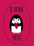 Cardez je t'aime pour le jour de valentines heureux Pingouin mignon tenant le coeur sur le fond cramoisi Mots tirés par la main Image stock