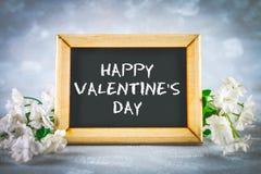 Cardez pour le jour de valentines avec le jour de valentines heureux des textes Photo stock