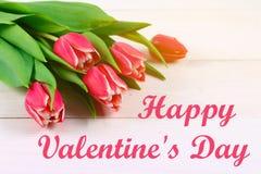 Cardez pour le jour de valentines avec le jour de valentines heureux des textes Photos stock