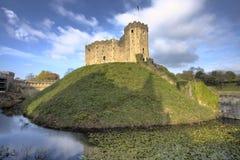 Cardiff-Schloss und Burggraben Stockbild