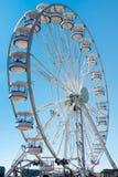 CARDIFF/UK - AUGUSTI 27: Ferris Wheel i Cardiff på Augusti 27, 2 Royaltyfria Foton
