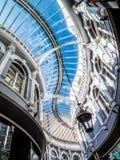 CARDIFF, WALES - JUNI 8: Morgan-het dak van het arcadeglas in Cardiff  royalty-vrije stock afbeeldingen
