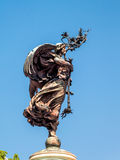 CARDIFF, WALES - JUNI 8: Standbeeld van Vrede naast Cardiff Ci royalty-vrije stock fotografie