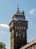 CARDIFF, WALES - JUNI 8: Toren bij het Kasteel van Cardiff in Cardiff  stock foto's