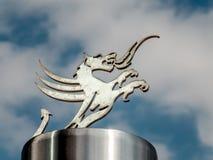 CARDIFF, WALES - JUNI 8: Welse Draak bij het Millennium Stadium stock fotografie