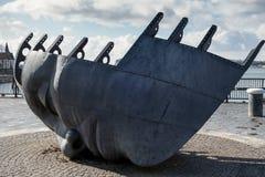 CARDIFF, WALES - 23. MÄRZ: Ansicht Handels-Seafarers ' Krieg Lizenzfreie Stockbilder