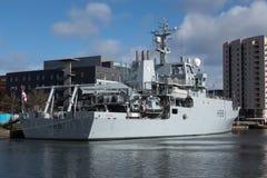 CARDIFF, WALES - 23. MÄRZ: HMS-Unternehmen angekoppelt an Cardiff-Bucht Stockfoto