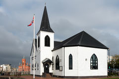 CARDIFF, WALES/UK - 16 DE NOVEMBRO: Igreja norueguesa ex agora um café foto de stock royalty free
