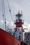 CARDIFF, WALES/UK - 26. DEZEMBER: Feuerschiff 2000 festgemacht in Cardi Lizenzfreie Stockfotografie