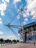 CARDIFF WALIA, CZERWIEC, - 8: Millennium Stadium przy Cardiff rękami zdjęcia royalty free