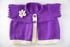 Cardigan de bébé photo stock