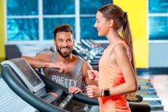 Cardio allenamento nella palestra Fotografia Stock