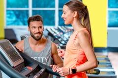 Cardio allenamento nella palestra Immagini Stock