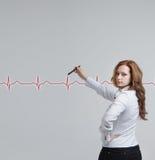 Cardiogramme de dessin de femme de docteur Image libre de droits