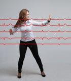 Cardiogramme de dessin de femme de docteur Images stock