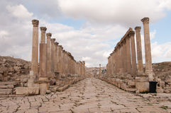 Cardo Maximus av Jerash, Jordanien Arkivfoton