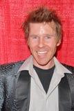 Care-Paket-Partei Todd Duffeys am Promi-Karaoke und US-Truppe, Einheimisch-Sportbar u. Grill, Los Angeles, CA 04-06-10 Stockfoto