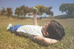 carefree barn fotografering för bildbyråer