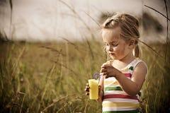 carefree barn utomhus fotografering för bildbyråer