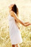 carefree det friakvinna Royaltyfri Foto