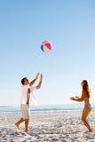 carefree gyckel för beachball royaltyfria bilder