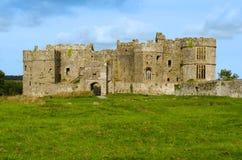 Carew-Schloss im Nationalpark Pembrokeshire – Wales, Vereinigtes Königreich Lizenzfreies Stockfoto