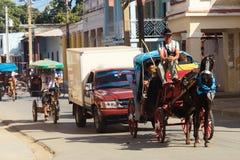 Carga do cavalo na rua de Cuba fotos de stock