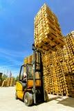 Carga do Forklift fotografia de stock
