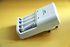Cargador de batería Imagen de archivo libre de regalías