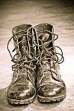 Cargadores del programa inicial de cuero negros del ejército fotos de archivo