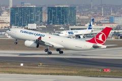 Cargaison Airbus A330-243F de TC-JCI Turkish Airlines Photo stock