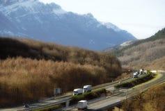 Cargaison de camion semi sur la route Photographie stock libre de droits