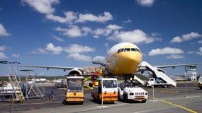 Cargaison de chargement d'avion Photo libre de droits