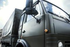 Cargaison, voiture, arme à feu de machine militaire d'arme de réservoir de camion grande Photographie stock libre de droits