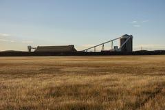 Cargamento del tren del carbón en Wyoming imagenes de archivo