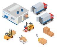 Cargando o descargando un camión en el almacén Imagen de archivo libre de regalías
