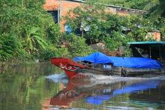 Cargo abajo del río Mekong Fotos de archivo