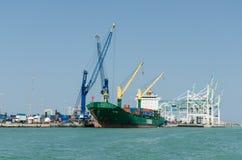 Cargo au port Image libre de droits