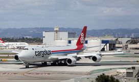 Cargo de Cargolux B747-8 à l'aéroport de Los Angeles Photo libre de droits