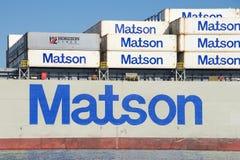 Cargo de Matson MANOA entrant dans le port d'Oakland photographie stock