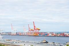 Cargo del envase y puerto Australia de Fremantle de las grúas Imagen de archivo