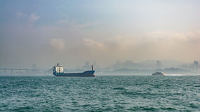 Cargo en mer en Hong Kong Photo stock