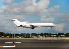 Cargo jet landing Royalty Free Stock Photography
