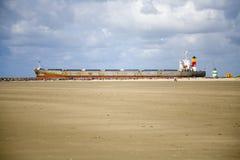 Cargo ship 5 Royalty Free Stock Image