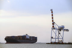 Cargo ship with shipping containers Royalty Free Stock Photos